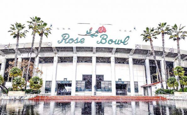 Snow at the Rose Bowl (Photo - @RoseBowlStadium)